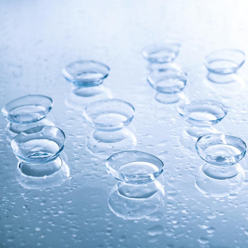 Kontaktiniai lęšiai ant šlapio stiklo